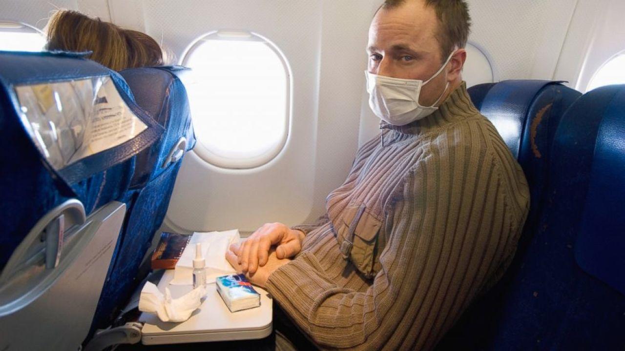 Munnbind på fly